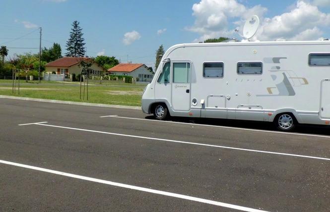 Aire de camping-cars de Villeneuve-de-Marsan 3 - Villeneuve-de-Marsan