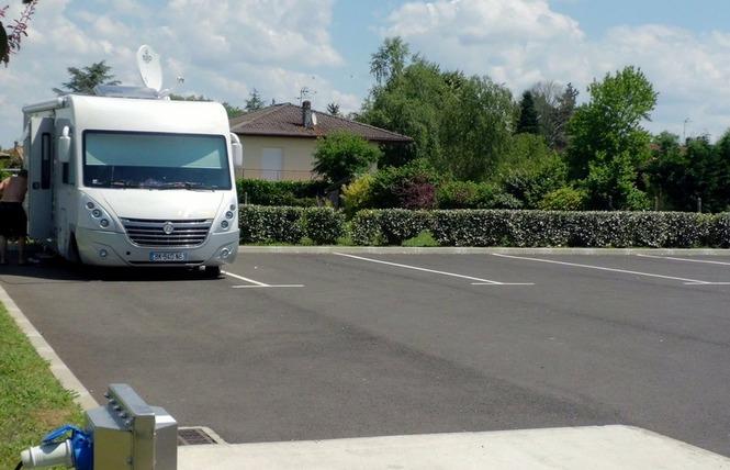 Aire de camping-cars de Villeneuve-de-Marsan 4 - Villeneuve-de-Marsan